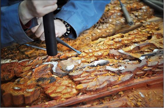 详述古典红木家具的制作工艺—雕刻工艺