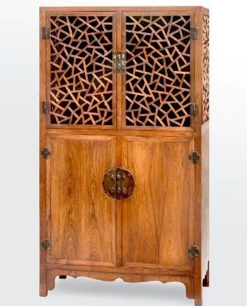 黄花梨攒冰裂纹方角柜