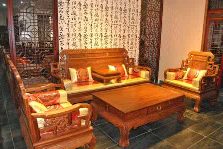 红木家具保养:擦漆、打蜡、擦油孰优孰劣?