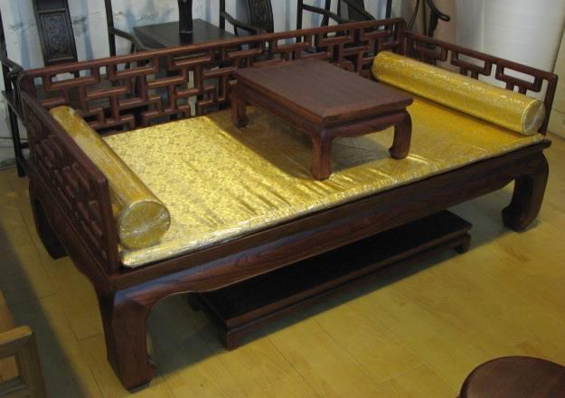 古典红木家具罗汉床的由来及发展