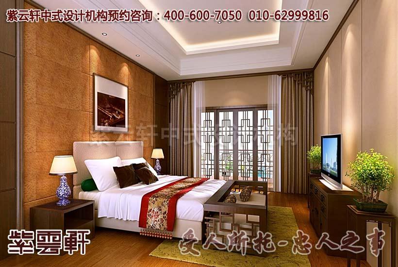 豪华装修图片大全之主卧设计,设计师借由沉稳棕色和黄色的铺陈,将雍容端庄的中式元素融入其中,让人为现代中国风装饰而倾倒。床头两侧两盏青花瓷灯左右对称,廷续了中式古典风格的对称美,白色的床品和吊顶与淡黄色的背景搭配清雅、明丽,浪漫至极。