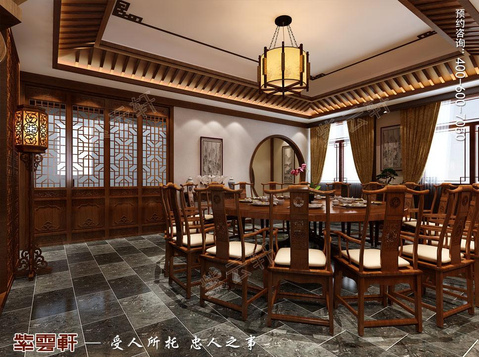 中式装饰效果图,穿过典雅的月洞门,便来到了二楼门厅,花格藻井与圆形图片