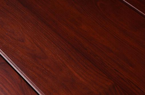中式装修中的名贵红木巴里黄檀,红艳独绝