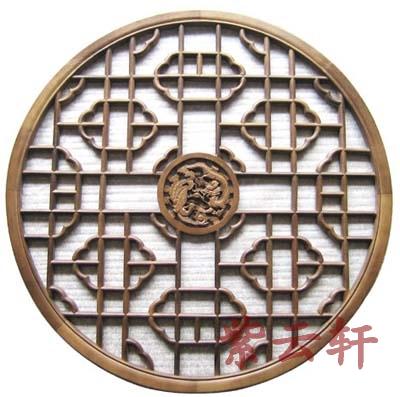 设计指南  花窗作为中式家居的必备符号,其工艺复杂,以榫卯结构为主