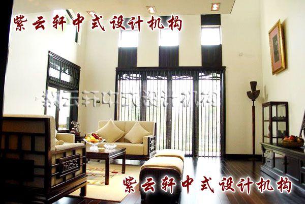 现代中式装修设计之客厅:依旧是褐与白却是另一种庄重