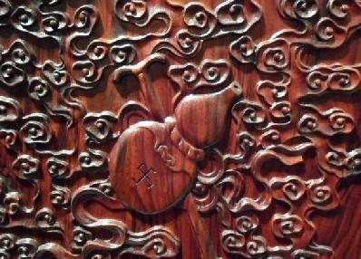"""红木家具上的雕刻图案""""暗八仙""""之一的葫芦"""
