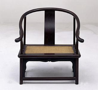 赏析:紫檀藤心矮圈椅