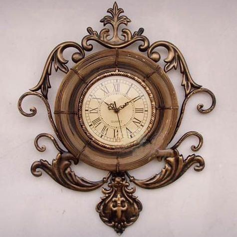 中式风格装修还是欧式风格装修,时钟是装饰客厅不可缺少的一件艺术