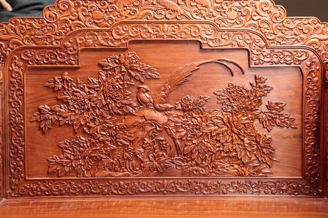 传统红木家具上的雕刻图案所表达的意境内涵
