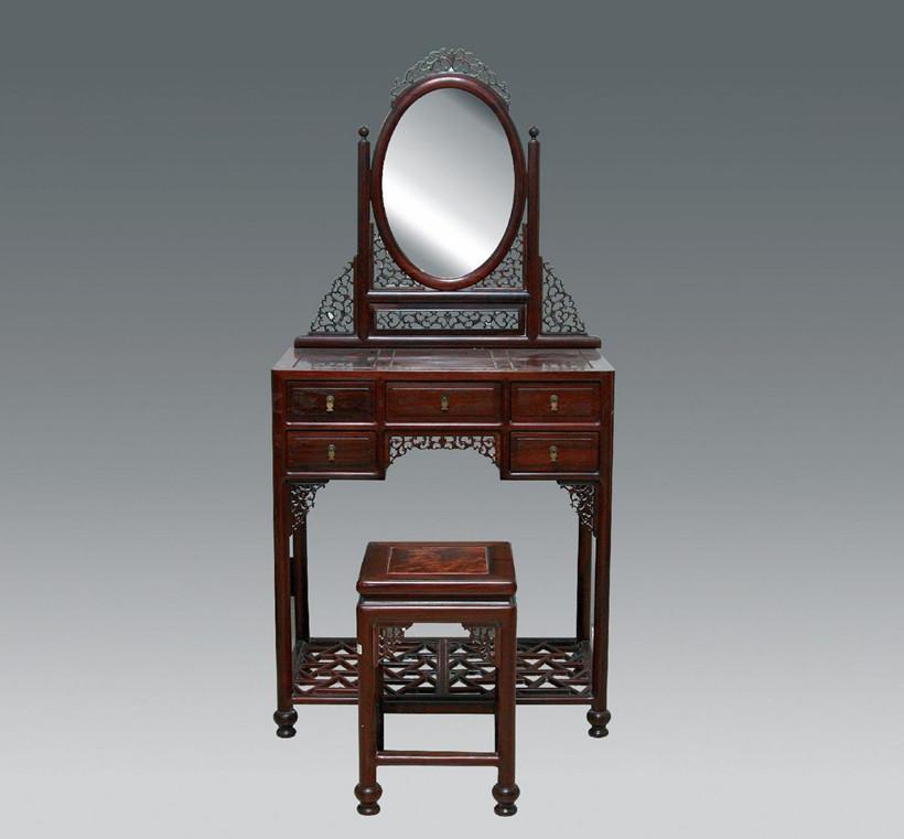 让红木梳妆台烘托中式风格闺房的古典浪漫