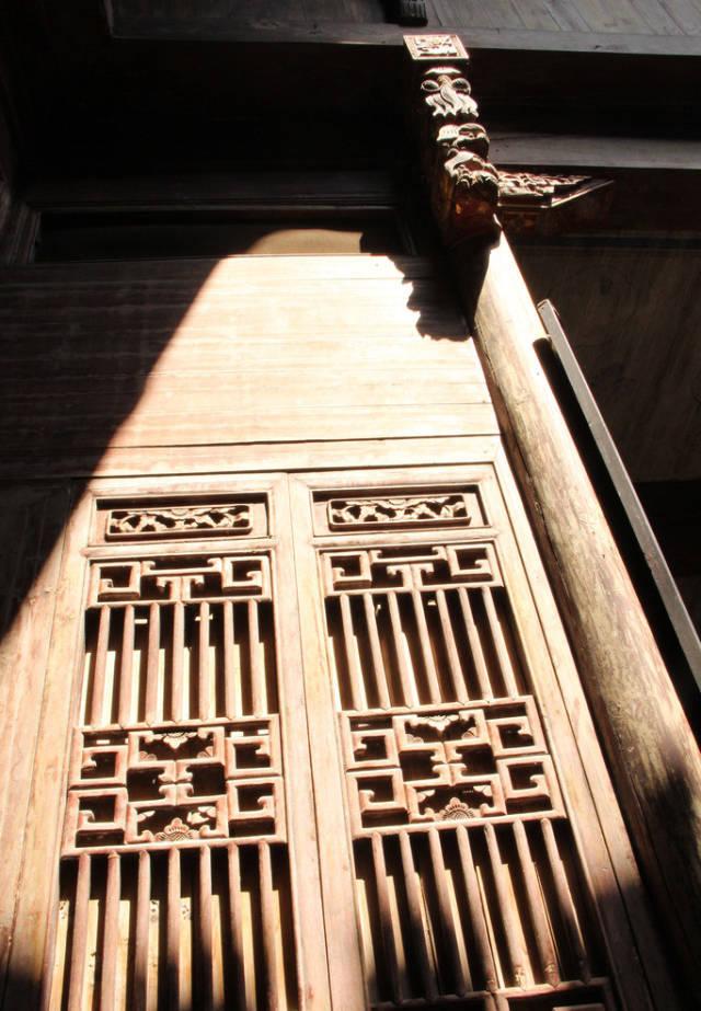中式传统建筑最美丽的眼睛-实木结构窗棂