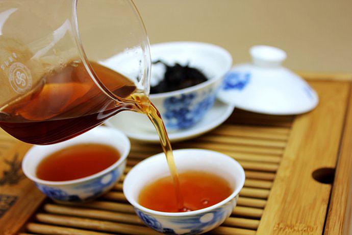 中式传统茶文化:待客讲礼仪,沏茶分粗细