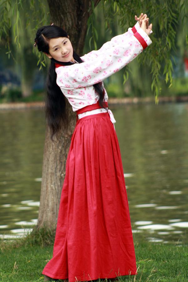 """中式文化传承之华丽精緻的中式服装""""汉服"""""""