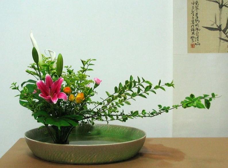 传统插花艺术,一花一叶总关情
