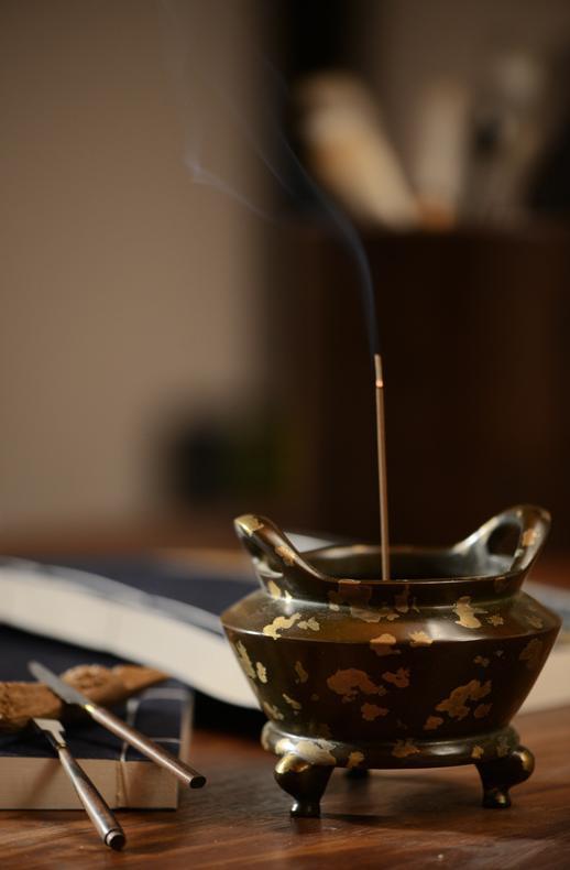 沉檀流香于中式雅致空间 氤氲出源远流长的中国香文化