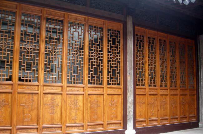 中式传统木雕文化 于精工中寄寓民居文化的深邃意蕴