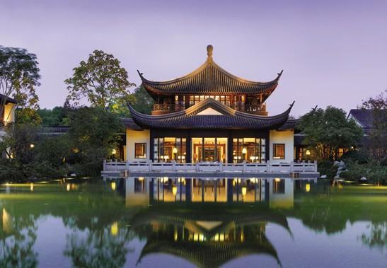 中式风格杭州四季酒店 云窗雾阁,杨柳堆烟的园林意境