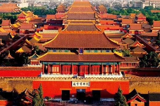 古建筑物上施彩绘是中国古代建筑的一个重要特征