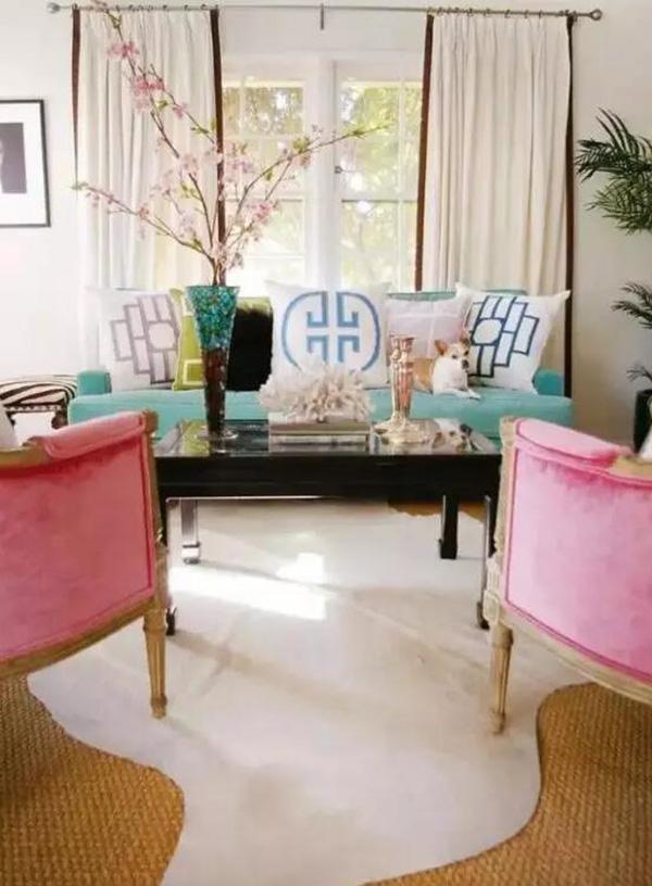这几种沙发摆放技巧让你的中式装修客厅与众不同